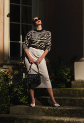 Wiktoria Celmer - Na Kd Zebra Print Sweater, Karl Lagerfeld Cuilted Bag By, Zara White Pencil Skirt - BORN TO BE WILD!
