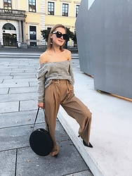 Anna Borisovna - Sézane Sweater, Other Stories Pants, Mango Shoes, Sézane Bag - The Wide Trousers