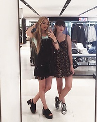 TurnToBlack Eira - H&M Leopard Dress, Converse Black, Zara Bag, Pull & Bear Platforms, Pull & Bear Dress - SISTERS