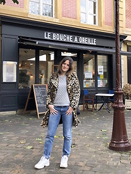 The laid-back girl Léa - Mango Faux Fur Leopard Coat, Petit Bateau Sweatshirt, Levi's® Jeans, Fila Sneakers - Leopard coat