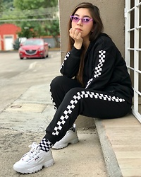 Karen Cardiel - Fila Disruptor 2, Must Concept Store Checkered Suit Pants, Pull & Bear Checkered Socks, Purple Sunglasses - 🏁  Lazy Sunday 🏁