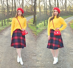 Natalia Uliasz - H&M Red Hat, Reserved Sweater, Sammydress Bag, Rosegal Checkered Skirt - Romans w Paryżu