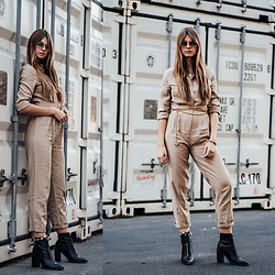 Jacky - Loavies Overall, Sol Sana Boots, Prada Sunglasses - How to wear a military overall this autumn
