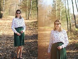 Kamila Krawczyk - Primark Blouse, Zara Skirt, Lovely Wholesale Shoes - 90th birthday Mickey Mouse
