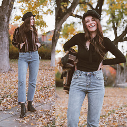 Shelly Stuckman - Isola Boots, A'gaci Top, Free People Hat, Tobi Jeans - Leafing