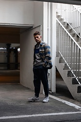 Kevin Elezaj - Adidas Sneakers, Gap Pants, Acne Studios Sweater, Levi's® Jacket - Comfy