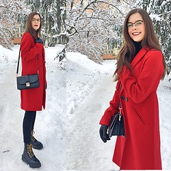 Deborah B - Stradivarius Coat, H&M Bag, Pull & Bear Boots, Guess Eyeglasses - Rouge 🌹💫