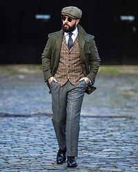 Jared Acquaro - Hillz Hats Baker Boy, Walker Slater Military Jacket, Walker Slater Vest, Walker Slater Flannel Trousers, Herring Long Wing Brogues - Scottish Winter