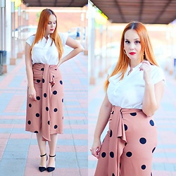 Nery Hdez - Primark Blouse, Sfera Skirt - Perfect Skirt