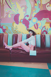 Amy Roiland - Bag, Gucci Shoes - The Colors
