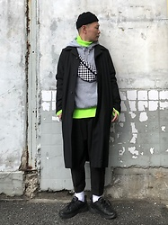 ★masaki★ - Komakino Wool Coat, H&M Hoodie, Zara Safety Green Knit, Ch. Trousers, Nike Air Monarch - Street Style