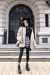 Yonish - Forever 21 Crop Turtleneck Long Sleeve, Vintage Wool Teddy Coat, Vera Wang Crossbody Bag, American Apparel Plaid Pleated Skirt, H&M Platform Boots - Cozy Grunge