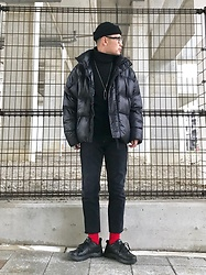 ★masaki★ - Bershka Puffer Jacket, H&M Turtlekeck, Levi's® Vintage Jeans, Nike Air Monarch - A little RED