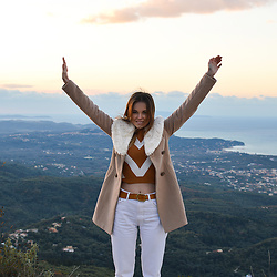 Tamara Bellis - Zaful Sweater, Tally Weijl Coat, Pull & Bear White Denim - Snow in Corfu