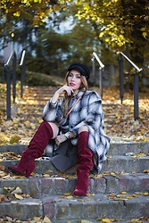 Anita Mikołajczyk - H&M Checked Wool Coat, Triangle Heel Overknees Boot - Are you checked ?