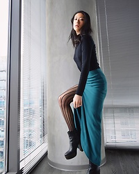 Gi Shieh - H&M Black Turtleneck Crop, Topshop Teal Slit Skirt, Aldo Black Platform Boots, Striped Stockings - Stocking Details
