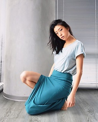 Gi Shieh - H&M Light Blue Pocket Tee, Topshop Teal Slit Skirt - Super Casual Mermaid Vibes?