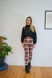 Chelsea Jade - Cow Vintage Jumper, H&M Trousers - Tartan Trousers