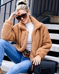 Amber Wilkerson - Teddy Bear Coat, Leopard Belt, Skinny Jeans Hi Rise, Square Frame Sunglasses, Dior Cross Body/Clutch Bag - TEDDY BEAR COAT