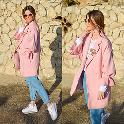 Tamara Bellis - Shein Pink Coat, H&M Blouse, Zara Jeans, Pull & Bear Sneakers, Zaful Sunglasses - Sweet Pink