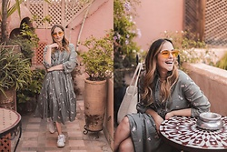 Sara Meess - Zerouv Sunglasses, Oddmolly Dress - Marrakesh