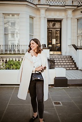 Monika Winkler -  - WHITE COAT: LOOK OF THE DAY