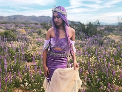 Sera Brand - Wild And Free Jewelry Mermaid Crown, Bohindiestream Moon Necklace, Stardust Bohemian Lavender Outfit, Free People Lace Skirt, Follow Me On Instagram @Serastardust - Wild Flower Fairy