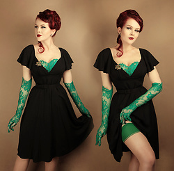 Charlotte S. - Vixen By Micheline Pitt Babydoll Dress In Black Rayon, What Katie Did Seamed Stockings Green Glamour - Irish Flower