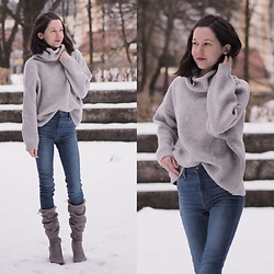 Claire H - H&M Knit, Levi's® High Rise Jeans, Public Desire Boots - Last days of snow
