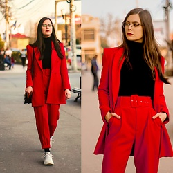 Deborah B - Zara Coat, Zara Pants, Guess Glasses, New Yorker Turtleneck, Zara Sneakers - Let's red 🌹🌹