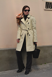 Olga Dupakova - Mango Coat, Mango Bag, H&M Sunglasses - Trenchcoat