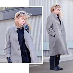 Iga Parker - Thrift Shop Wool Coat - Windy