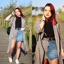 Carina Gonçalves - Bershka Jacket, Lefties Shirt, Bershka Skirt, Adidas Sneakers - We got all night to fall in love But just like that we fall
