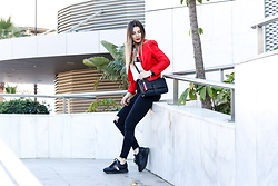 Cosmina M. //mbcos.net - Tommy Hilfiger Sneakers - What means red to you ?