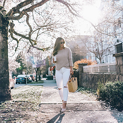 Alexandra G. - White + Warren Cashmere Sweater, Mavi White Denim, La Canadienne Blush Espadrilles - Springing In