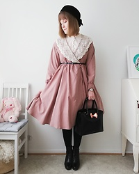 Mari Susanna - Vintage Hat, An Another Angelus Dress, Ted Baker Bag, Tamaris Shoes - Dusty rose