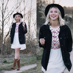 Lavie Deboite - Pull & Bear Denimjacket, Yas Bohodress, Sacha Westernboots, H&M Hat - Bohodress, Denimjacket & Westernboots