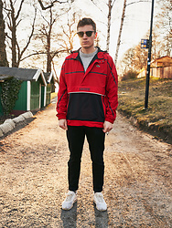 Andreas Sundbom - Ray Ban Glasses, Lacoste Parkas, Samsoe Sweater, Whyred Pants, Lacoste Socks, Nike Sneakers - Un crocodile