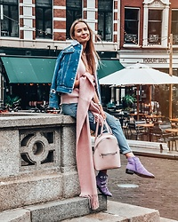 Madara L - Blue Denim Shearling Jacket, H&M Pink Cable Knit Scarf, Stradivarius Pink Backpack, Asos Lilac Boots With Buckles, Forever 21 Ripped High Waist Skinny Jeans - Like a marshmallow