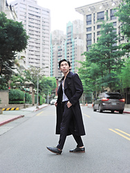 FL JU - Japan Brand The Long Heritage Trench Coat, H&M Shirts - On the eve before the winter closes