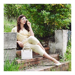 Enrica Scielzo - Vintage Lemon Yellow Jumpsuit, Marc By Jacobs Mini White Sunglasses, Asos Slingback White Shoes, Vintage Bag, Skinny White Belt - Tribute to Lady Diana