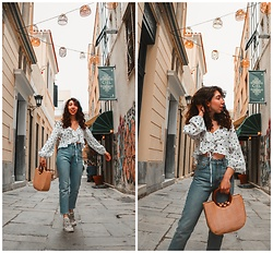 Theoni Argyropoulou - Zaful Polka Dots Blouse, Mango Jeans, Zaful Straw Bag, Ugly Sneakers - 7 Ways to Wear your Favorite Jeans on somethingvogue.com