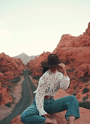 Ali D - Zara Lace Top - Valley Of Fire