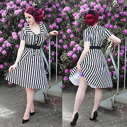 Charlotte S. - Collectif Clothing Vintage Brette Striped Swing Dress, La Femme En Noir Black Widow Rhinestone Spider Brooch, What Katie Did Seamed Stockings Purple Glamour H2050 - Daughter of Beetlejuice