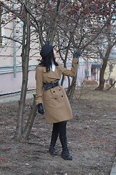 Bogena Día - Terranova Hat, Mango Coat, Ranger Black Leather Boots, O'stin Belt - Rowan