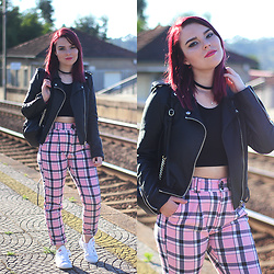 Carina Gonçalves - Zara Jacket, Missguided Crop Top, Bershka Pants, Adidas Sneakers - It's just me and you They couldn't see what I see in you