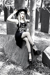 Joan Wolfie - Killstar Dress, Killstar Sandals - MAGICAL // Joan Wolfie