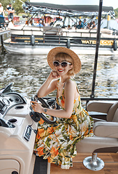 Esra E. - H&M Trend Ruffled Midi Skirt D&G Lookalike, Primark Straw Hat - Venice in Potsdam near Berlin