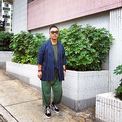 Mannix Lo - Muji Kimono, H&M Tee, Maple Loose Fit Pants, Vans Sk8 Hi Sneakers - My only mistake was to just trust