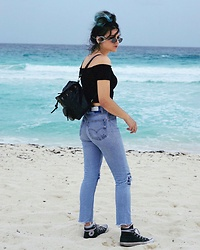 Mickylene Delgado - Re/Done Vintage Upcycled Levi'S, Reformation Off Shoulder Frill Crop Top - Cancún